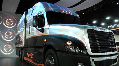 2013 Mid America Trucking Show (MATS) & Freightliner
