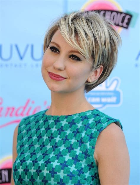 More Pics of Chelsea Kane Short Cut With Bangs (4 of 8