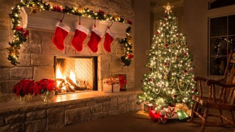 Decorated Christmas Tree In House Wallpaper 11604 - Baltana