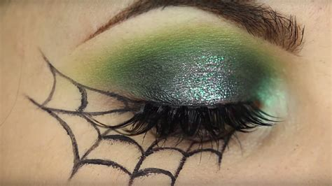 8 Easy Halloween Makeup Tutorials For the Cheap & Lazy