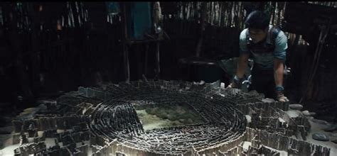 The Maze Runner's Flashy First Trailer Offers Giant