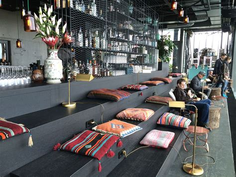 Hotel Rooftop Bars You Can Enjoy in Winter - Condé Nast